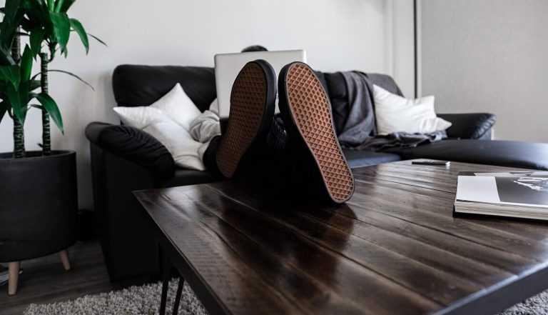 Evden Çalışırken Yaşayabileceğiniz 6 Sorun ve Çözümleri